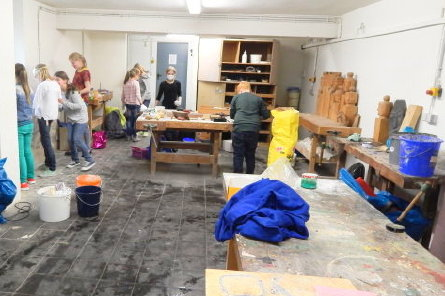 gymnasium am l hrtor siegen start der kunst ag. Black Bedroom Furniture Sets. Home Design Ideas